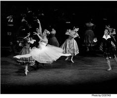 Natalia Makarova   La Sylphide - the first surviving romantic ballet, a tale of a forest fairy who fell in love with a young Scotsman.