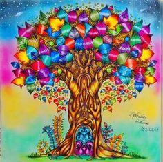 Floresta Encantada por Nathália Antunes #inspirationalcoloringpages #coloringbooks #livrosdecolorir #jardimsecreto #secretgarden #florestaencantada #enchantedforest #reinoanimal #animalkingdom #johannabasford #adultcoloring #milliemarotta