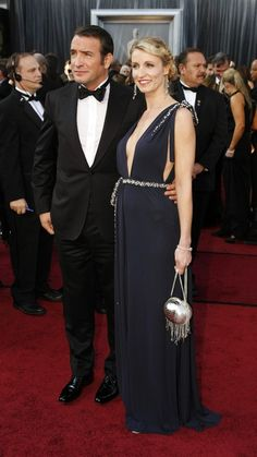 Really like the small collar and the bow tie of Jean dujardin outfit. #oscar2012
