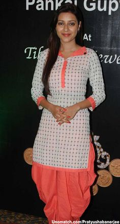Pratyusha Banerjee Like : www.unomatch.com/pratyushabanerjee  #pratyushabanerjee #dramscelebrity #tellywood #indiancelebrity #actor #actress #fans #unomatch #Instagram #biography Salwar Pattern, Salwar Neck Patterns, Suit Pattern, Churidar Neck Designs, Salwar Designs, Kurta Designs Women, Dress Neck Designs, Designs For Dresses, Blouse Designs