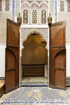 #moroccan #door Door of the Upper Courtyard at Dar Jamaï Museum Meknès - Morocco www.asilahventure... ♥ #bluedivagal, bluedivadesigns.w...