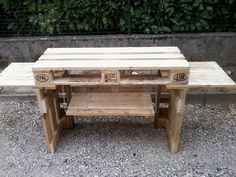 meuble plancha – home acssesories Pallet Projects, Furniture Projects, Pallet Floors, Weber Bbq, Palette Diy, Shipping Pallets, Sweet Home, Scrap, Flooring