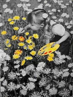 Melissa brings sunshine yellow everywhere she goes. Yellow was mom's fav color also. Happy memories!! Beautiful art photo.