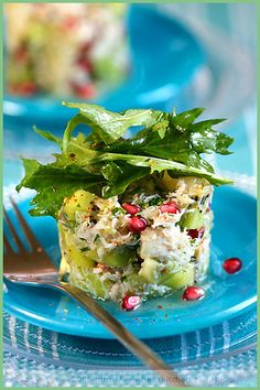 **** OMG, this is a fantastic recipe!! Kiwi, Grapefruit and Crab Salad w/pomegranate. YUM! ****