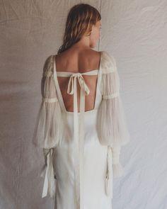 Wedding Dress Sleeves, Elegant Wedding Dress, Designer Wedding Dresses, Bridal Dresses, Dresses With Sleeves, Wedding Gowns, Bridal Separates, Vintage Bridal, Beautiful Dresses