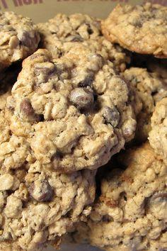 Vegan Chocolate Chip Oatmeal Nut Cookies Recipe