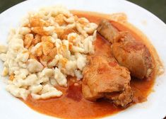 Desať receptov na najlepšie halušky - Žena SME Chana Masala, Cooking Recipes, Meat, Chicken, Ethnic Recipes, Red Peppers, Cooking, Chef Recipes