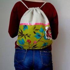 Sac à dos en coton écru et imprimé fleurs japonaise.
