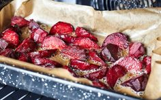 Try this delicious recipe for roasted beets. Oven roasted root vegetables are so delicious! Oven Roasted Root Vegetables, Roasted Beets, Roasting Beets In Oven, Cooking Beets, Good Food, Yummy Food, Nutrient Rich Foods, Hungarian Recipes, Beetroot