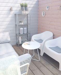 Small Backyard Gardens, Backyard Garden Design, Outdoor Gardens, Outdoor Chairs, Outdoor Furniture Sets, Outdoor Decor, Porch Styles, Rooftop Patio, Kids Room Wallpaper