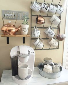 Can we take a minute to appreciate the downright prettiness of farmhouse decor? I had a total ball putting this list together, to say the … apartment decorating 25 Farmhouse Chic Decor Ideas You'll LOVE For Your Farmhouse Plans Coffee Bar Home, Home Coffee Stations, Coffee Shop, Coffee Bars, Office Coffee Station, Coffee Station Kitchen, Coffee Bar Ideas, Coffee Corner Kitchen, Coffee Club