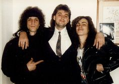 Gary Cherone(Extreme) Stephen Csicsek ( Mirror Mirror ) and Nuno Bettencourt after 1990 Boston Music awards Nuno Bettencourt, Gary Cherone, Boston Music, Love U So Much, Music Awards, Rock Bands, Actors & Actresses, Che Guevara, Concert