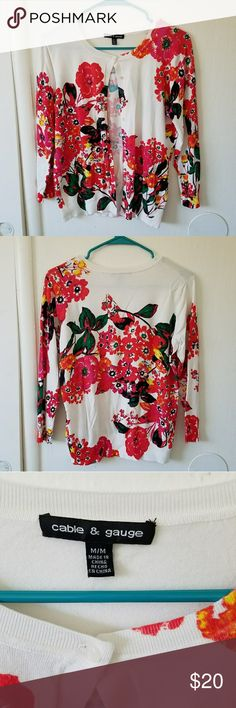 Cable & Guage floral cardigan This is the perfect spring cardi - bright, colorful, and beautiful! In like-new condition, this is perfect to add a pop of color to any outfit. Cable & Gauge Sweaters Cardigans