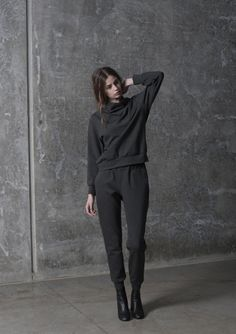 carly hunter cowl sweater and pant $200