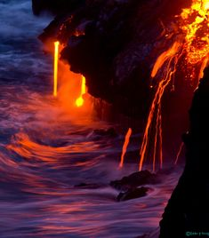 Photographer Sean King captures the beautiful glow of lava-flowing volcanoes against the starry night sky in Hawaii.