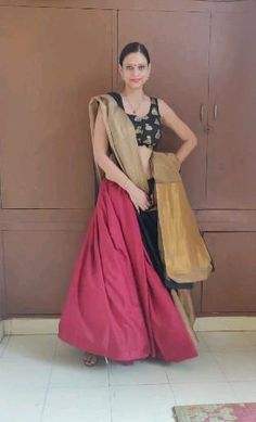 Party Wear Indian Dresses, Indian Gowns Dresses, Indian Fashion Dresses, Indian Designer Outfits, Saree Wearing Styles, Saree Styles, Lehenga Saree Design, Saree Blouse Designs, Saree Designs Party Wear
