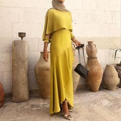 best Ideas for dress hijab gowns modest fashion Islamic Fashion, Muslim Fashion, Modest Fashion, Latest Fashion Clothes, Fashion Dresses, Modest Dresses, Modest Outfits, Nice Dresses, Hijab Gown