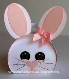 Sweet little Easter Bunny Curvy Keepsake Treat Box. Made with Recollections white card stock and Stampin' Up punches. Easter Candy, Easter Treats, Diy Ostern, Bunny Face, Easter Projects, Stamping Up, Spring Crafts, Keepsake Boxes, Easter Baskets