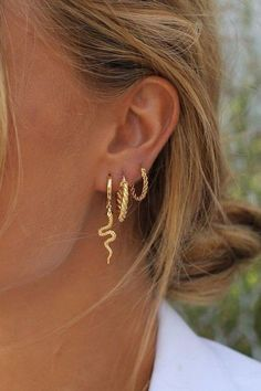 Ear Jewelry, Cute Jewelry, Gold Jewelry, Jewelry Accessories, Fashion Accessories, Fashion Jewelry, Jewlery, Vintage Jewellery, Dainty Jewelry