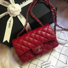 Chanel Coco Flap Bag in Red. Best accessories to take everyday.