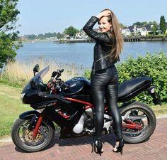 Lederlady ❤️ - motorbikes,bicycles and girls - Motorcycle Leather, Motorcycle Outfit, Lady Biker, Biker Girl, Motard Sexy, Mode Latex, Kawasaki Bikes, Harley Davidson Parts, Dirt Bike Girl