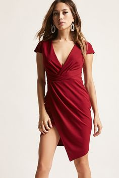 Forever 21 is the authority on fashion & the go-to retailer for the latest trends, styles & the hottest deals. Shop dresses, tops, tees, leggings & more! Shop Forever, Forever 21, Beautiful Outfits, Beautiful Clothes, Burgundy Bridesmaid, Shades Of Red, Latest Trends, Wrap Dress, Nighties