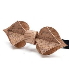 A cut above the average wooden bow tie. Woodworking Courses, Woodworking School, Learn Woodworking, Carpentry Projects, Wood Projects, Wooden Bow Tie, Wooden Jewelry, Craft Items, Wood Carving