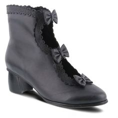 Steampunk boots and shoes for ladies and men. All price ranges and styles from classic Victorian to punk, gothic, and retro. Spring Boots, Spring Sandals, White Leather Ankle Boots, Black Boots, Victorian Boots, Victorian Steampunk, Victorian Fashion, Steampunk Boots, Steampunk Clothing