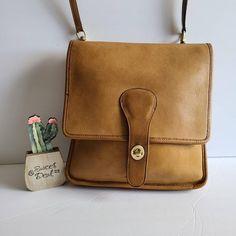 Chloe Handbags, Burberry Handbags, Coach Handbags, Louis Vuitton Handbags, Coach Bags, Leather Handbags, Trendy Handbags, Coach Purses, Designer Clutch