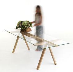 Table Traverso / 200 x 86 cm Bois naturel / Plateau verre transparent - Valsecchi 1918