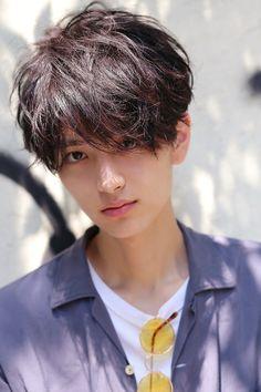 Japanese Men Hairstyle, Japanese Haircut, Korean Men Hairstyle, Hairstyle Short, Japanese Hairstyles, Korean Hairstyles, Undercut Hairstyles, Boy Hairstyles, Short Hair Cuts