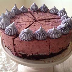 Irman ihannekakku Tiramisu, Cheesecake, Baking, Ethnic Recipes, Desserts, Food, Cheesecake Cake, Bread Making, Tailgate Desserts