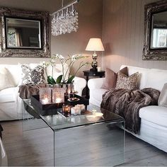 Stunning living room style Glass coffee tables always look amazing in any interior #furniture #furnitures #furnituredesign #furnitureporn #furnitureshopping #interior #instagood #instacool #picoftheday #interiordesign #design #interiordesigner #shabbychicfurniture #interiors #shabbystore #follow #shabbychic #love #shabbychicstyle #shabbychicdecor #decor #renovate #renovation #house #homestyle #home www.shabbystore.co.uk