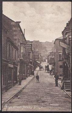 YORKSHIRE PATELEY BRIDGE HIGH STREET MARSDEN PICTURE POSTCARD EMPORIUM  CAT CARD