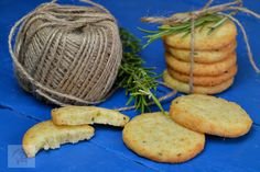 Biscuiti sarati cu parmezan si rozmarin - CAIETUL CU RETETE Parmezan, Carrots, Vegetables, Food, Veggies, Essen, Vegetable Recipes, Yemek, Meals