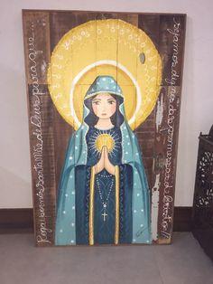 Quadro todo de madeira original pintado a mão Catholic Art, Religious Art, Spiritual Paintings, Frida Art, Holy Mary, Pallet Art, Blessed Mother, Sacred Art, Painting Inspiration