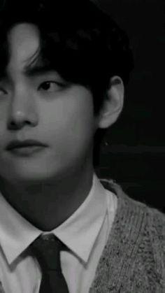 Bts Aegyo, Jungkook Abs, Kim Taehyung Funny, V Taehyung, Foto Rap Monster Bts, Friends Scenes, V Video, Taehyung Photoshoot, Bts Concept Photo