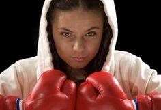 Mauy Thai Kickboxing - chicks are tough too