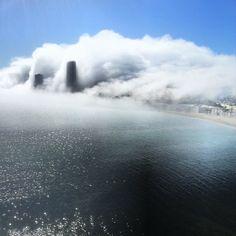 La ciudad de Alicante ayer bajo la niebla, espectacular,  www.agrupacioncerrajera.es