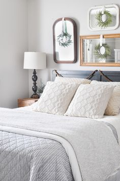 Short Article Reveals the Undeniable Facts About Cozy Holiday Bedroom Retreat cool When selecting a bed above all it ought to be comfortable and cozy. If you own a platform bed, create custom headboard merely by applying a material t. Romantic Bedroom Decor, Stylish Bedroom, Home Decor Bedroom, Modern Bedroom, Bedroom Ideas, Contemporary Bedroom, Winter Bedroom, Christmas Bedroom, Cozy Christmas