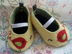 Cute baby shoes with bird. Construction could be improved.