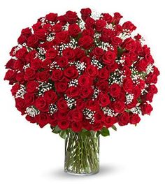 Red Rose Floral Arrangements 100 red roses in a vase 4th Wedding Anniversary Gift, Anniversary Flowers, Gift Bouquet, Rose Bouquet, Beautiful Roses, Beautiful Flowers, 100 Red Roses, Send Flowers Online, Rose Vase