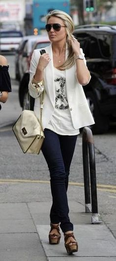 Always love the white t-shirt, blazer combo, with a skinny jean. Comfy chic.
