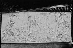 Герника в процессе создания. Париж, 1937. Фотограф Дора Маар. Фото 1