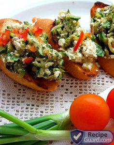 Bruschetta with zucchini and basil
