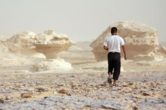 Mushroom Valley in Egypt's White Desert by misslishness. CC BY 2.0.