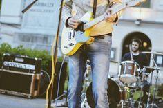 Sugar Worms, Riccardo Messori - Fotografie di Chiara Arrigoni. Concerto Resistente del 25 Aprile 2016 in Piazza Garibaldi con Sugar Worms: Fabio Sozzi, Andrea Cortenova... #rock #live #lecco #25aprile