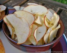 A Messy Kitchen: Dehydrated Apple Chips