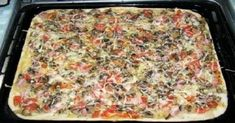 How to cook a pizza with thin crispy basis for 20 minutes. In the preparation of this pizza it took me 20 minutes! To begin with we will light the oven . Crispy Pizza, Good Food, Yummy Food, How To Make Pizza, Kefir, Food Photo, Lasagna, Macaroni And Cheese, Food And Drink
