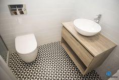 Reforma de baño con inodoro suspendido. #bathroom #toilet #BCN